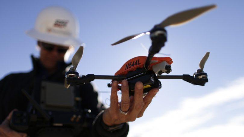 como pilotar drones.